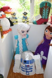 Piniata Frozen | Minions | Dinosaur | Penguin | R2D2