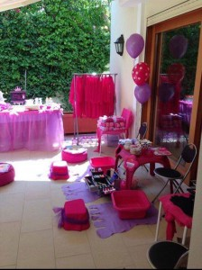 How we decorate your home outdoors for the girls spa party